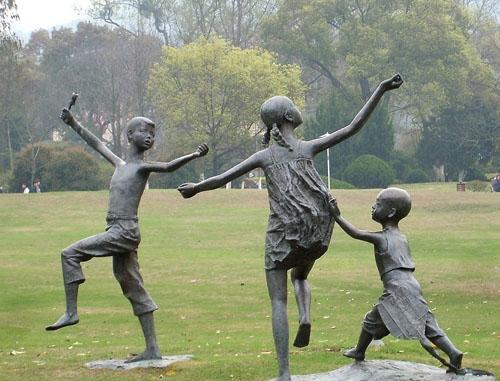 大连人物景观雕塑